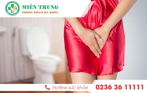 Tìm hiểu triệu chứng tiểu rát ở nữ